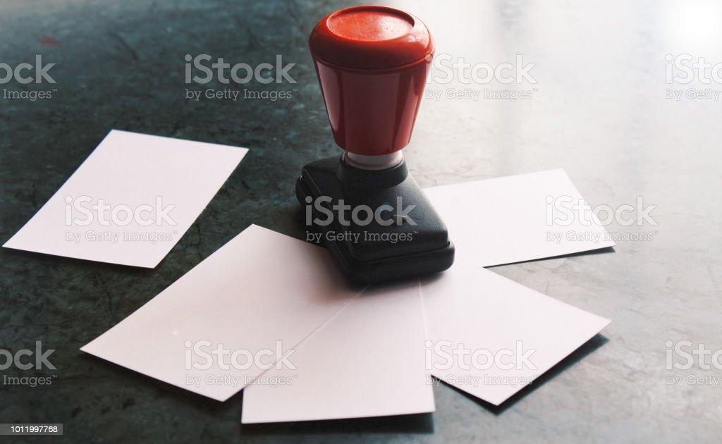 Büro Papier Dokument Stempel Mit Visitenkarten Rumliegen