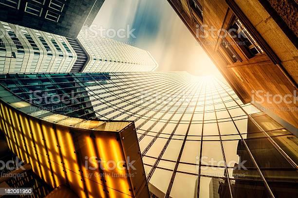 Büro Skysraper In Der Sonne Stockfoto und mehr Bilder von Frankfurt am Main