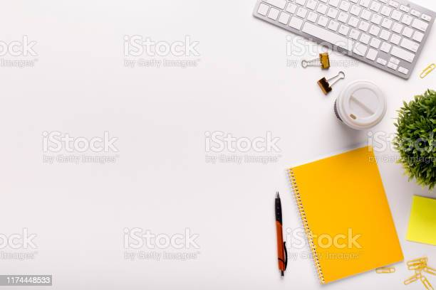 Office table with yellow notes and white keypad picture id1174448533?b=1&k=6&m=1174448533&s=612x612&h=0zioyi26lnt85nkec ifztmzoiovibot03fngcvg2j0=