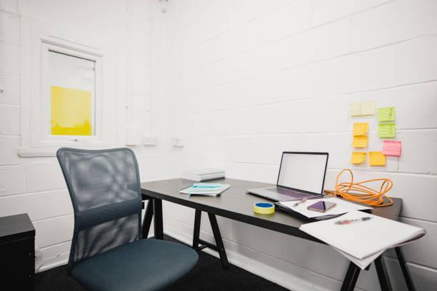 辦公室工作臺 - 小型辦公室 個照片及圖片檔