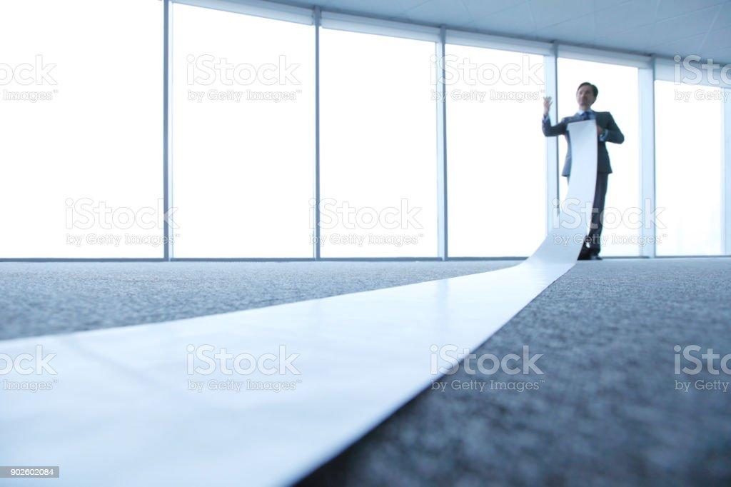 Büroberuf unrolling lange Seite – Foto