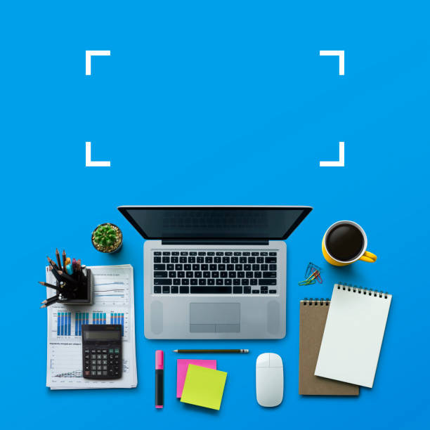 office workplace with laptop, notebook, office supplies and stationery on blue background. solution, business planning, data analysis, creative, design, start, or working flat lay top view concept. - post it notes zdjęcia i obrazy z banku zdjęć