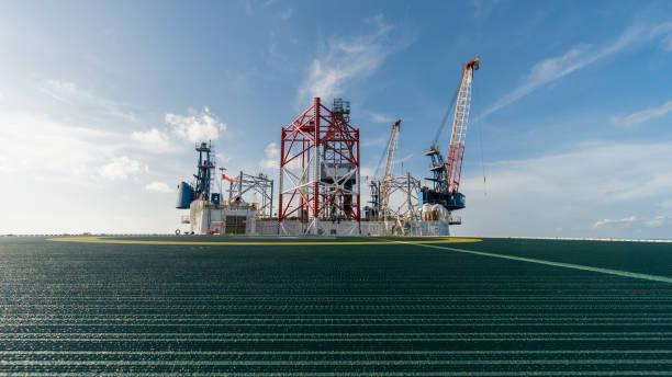 offshore drilling rig - opec stock-fotos und bilder