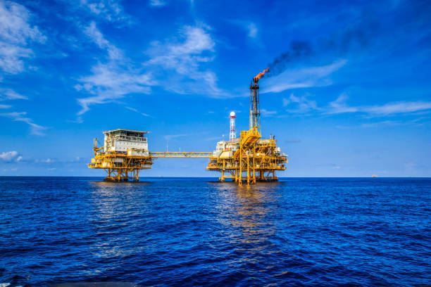 offshore industry oil and gas - benzina foto e immagini stock