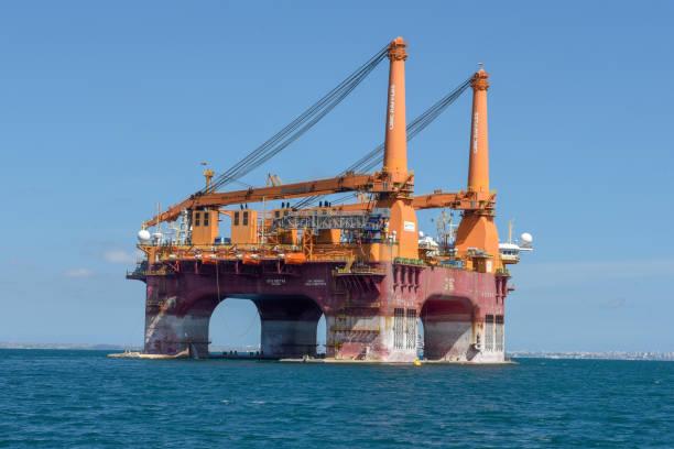 Offshore-Ölbohrplattform in der Nähe von Salvador de Bahia auf Brasilien – Foto