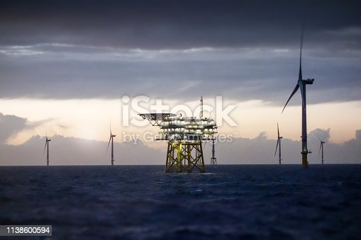 Wind-turbine, offshore, worker, boat, sea, sun, vessel, platform