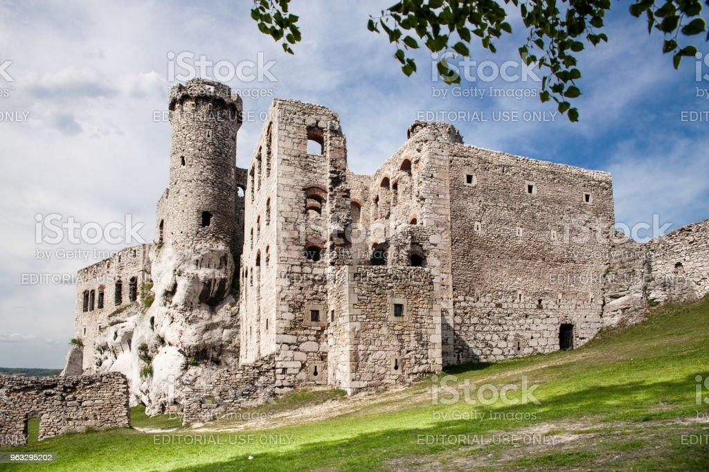 Ogrodzieniec Castle in the village Podzamcze. Ruins of the castle on the upland, Jura Krakowsko-Czestochowska. The Trail of the Eagle's Nests. – zdjęcie