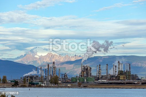 istock Oil and Gas 610769518