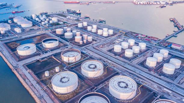 Industriegebiet der Erdöl- und Gasraffinerie – Foto