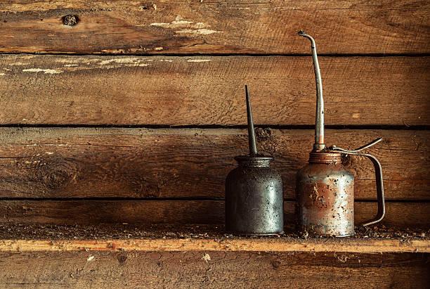 Latas de aceite - foto de stock