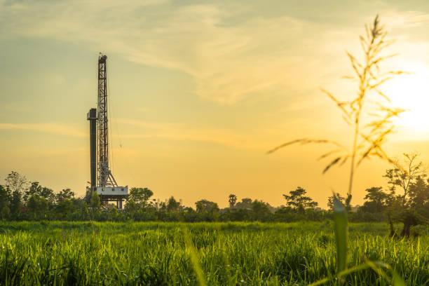 oljefält borraggregat - miljö bildbanksfoton och bilder
