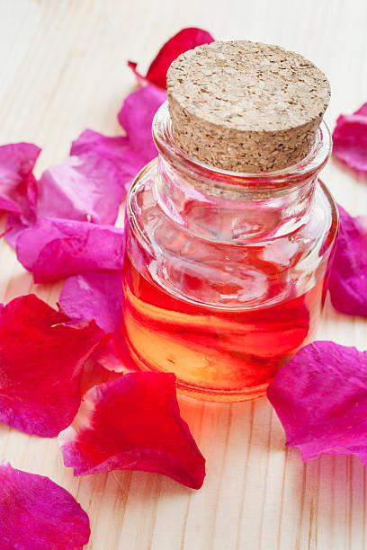 Oil in glass bottle and rose petals picture id499520099?b=1&k=6&m=499520099&s=612x612&w=0&h=vxgmic l6qtjsl e pdag9i0ry1ynvi2xb6ps3hh6c0=