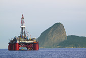 Platform stationary in Guanabara Bay, in front of the Sugarloaf in Rio de Janeiro