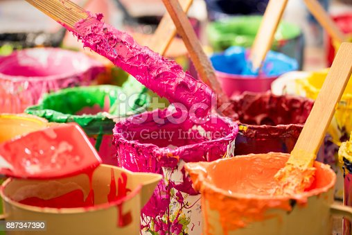 istock Oil paint and paint brushes 887347390
