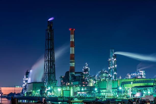 rafinerii ropy naftowej w nocy  - prefektura kanagawa zdjęcia i obrazy z banku zdjęć