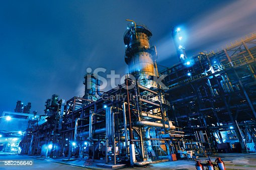 istock Oil Refinery, Chemical & Petrochemical plant 582256640