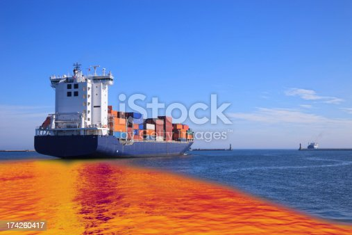 istock Oil spill 174260417