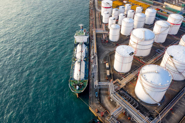 oil storage tank in the port in tsing yi, hong kong - crude stock pictures, royalty-free photos & images