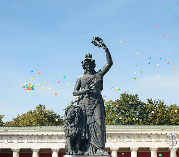 oktoberfest münchen-bayrische - bavaria porzellan stock-fotos und bilder