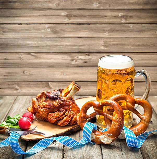 oktoberfest - bavaria porzellan stock-fotos und bilder