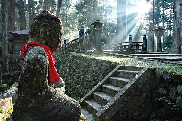 Okunoin Cemetery in Mount Koya Okunoin Cemetery at Mount Koya shrine stock pictures, royalty-free photos & images