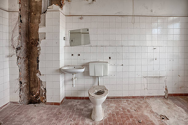 Old, abandoned and forgotten building Interior of an old, ruined building ugliness stock pictures, royalty-free photos & images