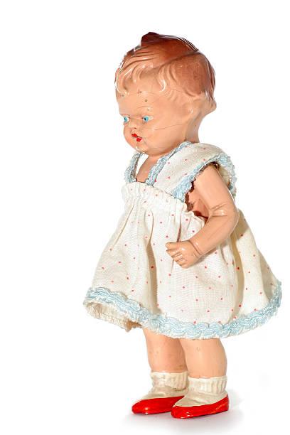 viejo niño abusado de muñeca - muñeca bisque fotografías e imágenes de stock