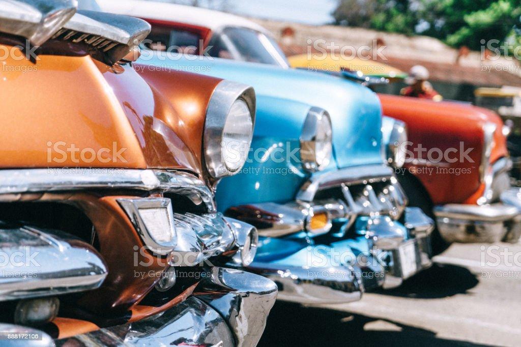 Alte amerikanische Parkplatz ulica Havanna, Kuba – Foto