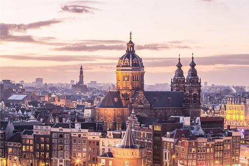 istock Old Amsterdam landmark 628192792