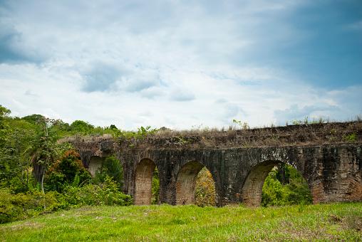 Acueducto Antiguo Y Abandonado En San Jerónimo Salama Baja Verapaz Guatemala  Foto de stock y más banco de imágenes de Abandonado - iStock