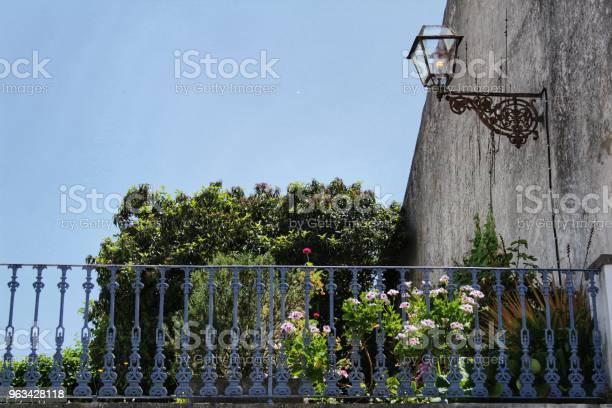 Stara I Kolorowa Fasada W Lizbonie - zdjęcia stockowe i więcej obrazów Antyczny