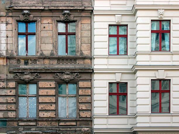 nuevos y antiguos - fachada arquitectónica fotografías e imágenes de stock