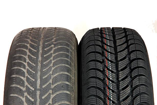 Alte und neue winter-Auto Reifen – Foto