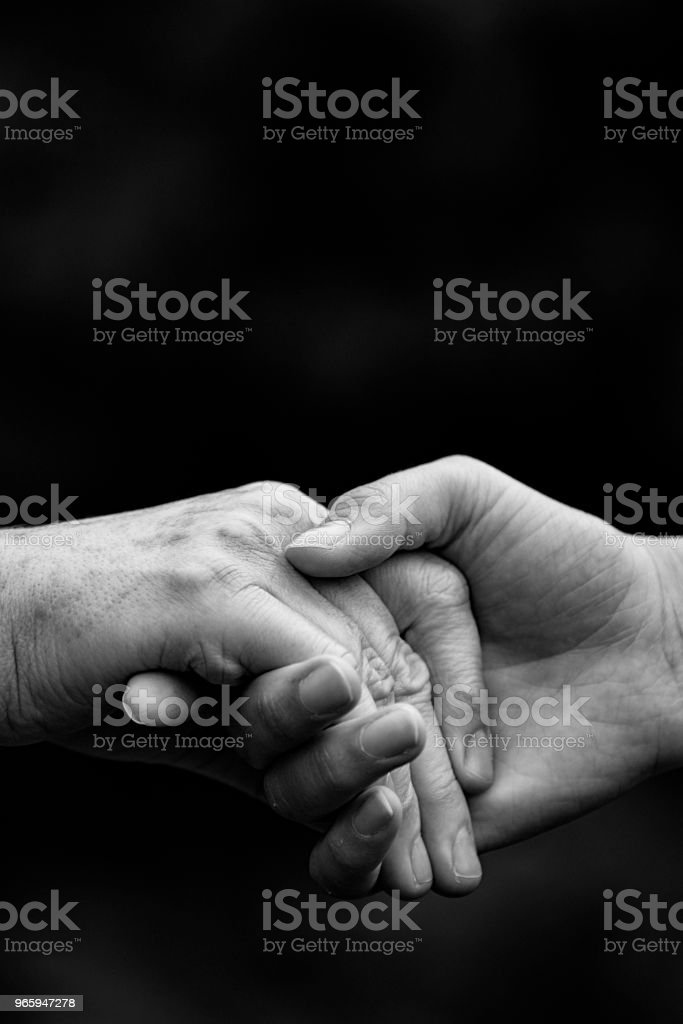 Oude en jonge handen - Royalty-free 60-69 jaar Stockfoto