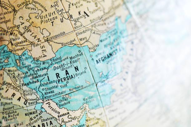 alte antike landkarte mit fokus auf iran - iranische stock-fotos und bilder