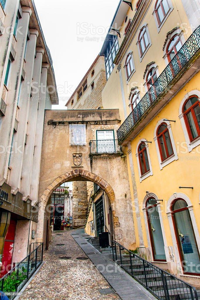 Old Arch Arco de  Almediina Medieval City Coimbra Portugal foto royalty-free