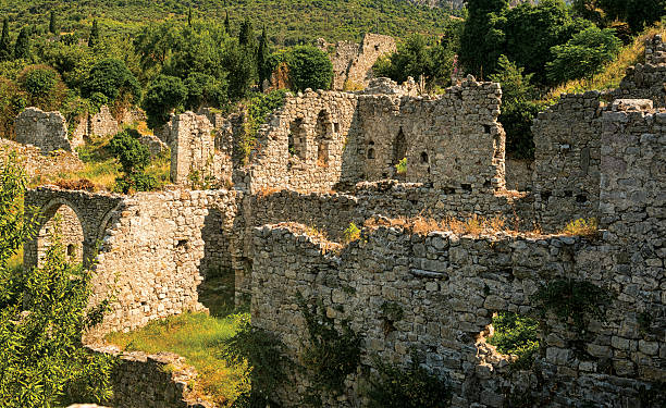 old bar, montenegro, ruins of palace - bar 個照片及圖片檔