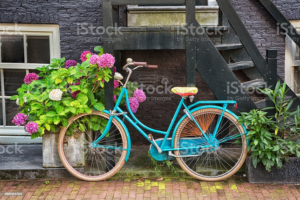 Old Bicycle in Amsterdam - foto de stock