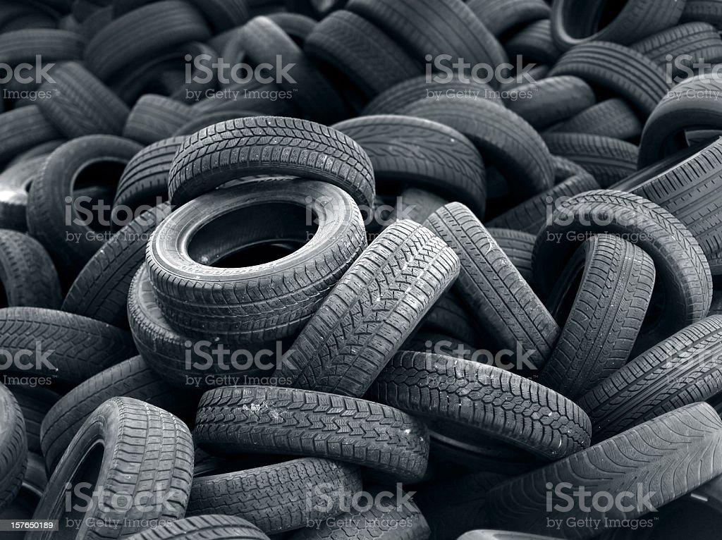 Altes Auto Reifen Haufen Hintergrund verwendet – Foto