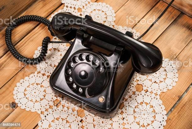 電話 黒 スマホじゃない、電話といえば「黒電話」だ。日本の電話のマニアックな歴史話