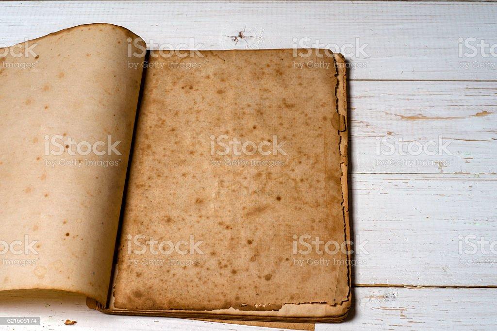 Vieux livre avec des pages ombre. photo libre de droits