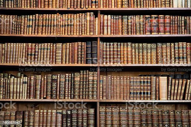 Alte Bücher Stockfoto und mehr Bilder von Alt