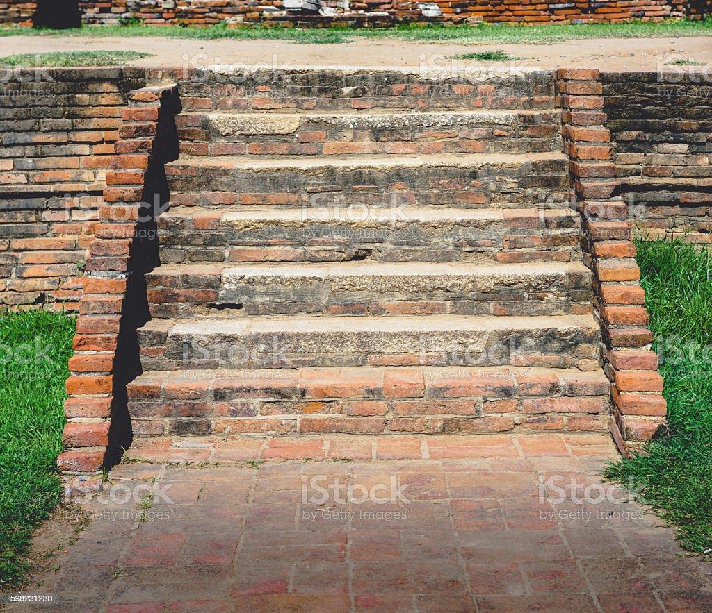 Velho escada de tijolos foto royalty-free