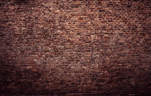 오래 된 벽돌 벽 - 벽돌 담 뉴스 사진 이미지