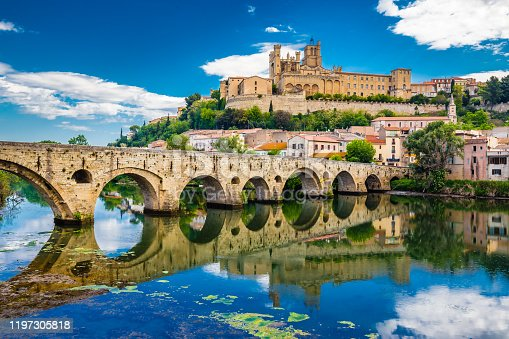 Old Bridge And Cathedral In Beziers - Hérault, Occitanie, France, Europe