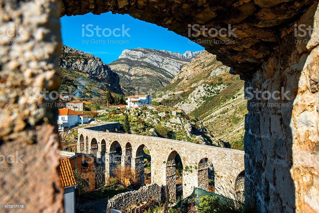 Viejo puente Stari Bar - foto de stock