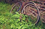 istock Old broken vintage rust bicycle 610675714