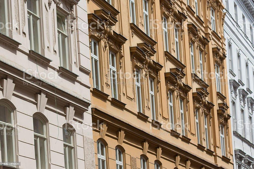 Alte Gebäude Fassade neu restaurierte – Foto
