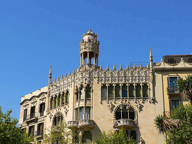 Old building in Barcelona Old building in Barcelona gracia baur stock pictures, royalty-free photos & images