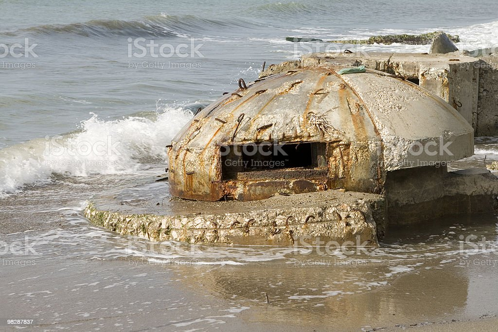 Rovine del vecchio bunker'in Durazzo, l'Albania. foto stock royalty-free